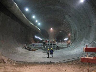 hugetunnel