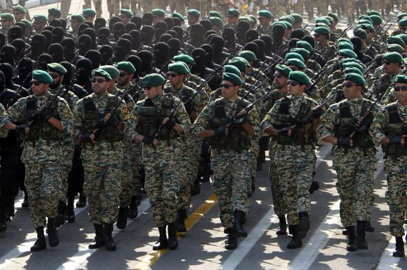 Iranian-soldiers-march-during-an-annual-military-parade-1871662